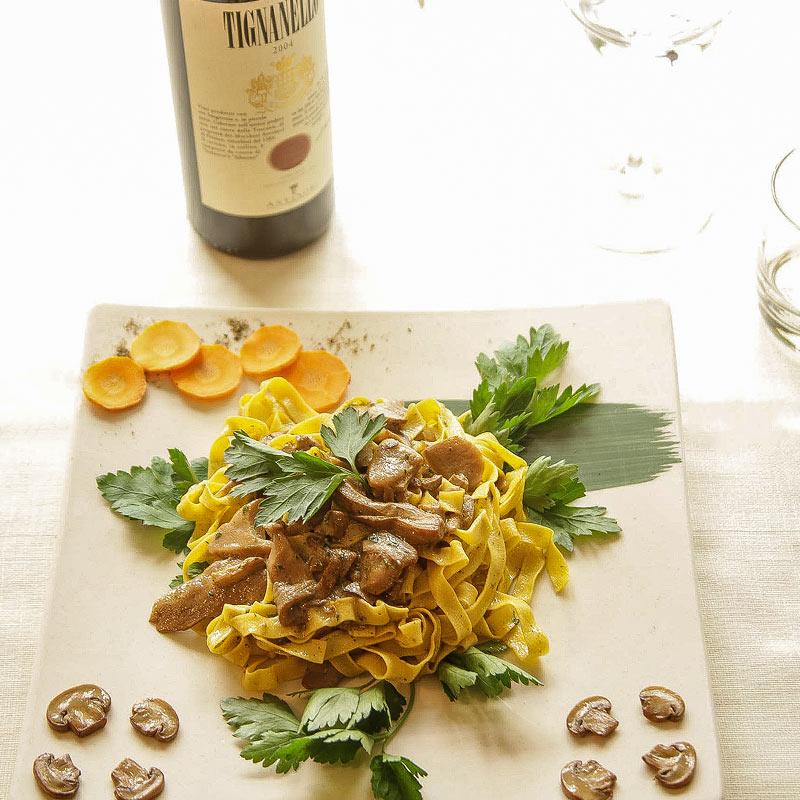 Piatti toscani accompagnati dai migliori vini - Ristorante Giglio Rosso Firenze