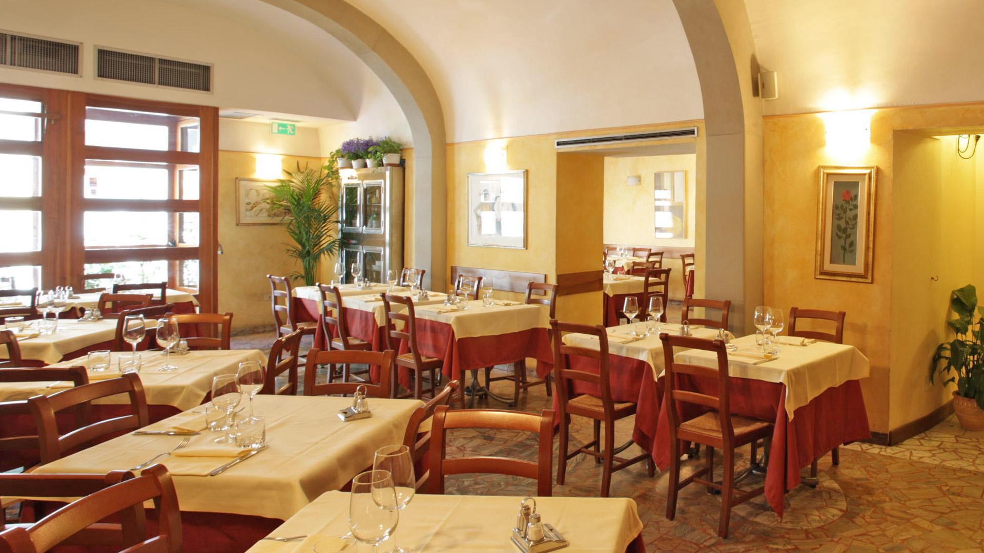 sala4-ristorante-giglio-rosso