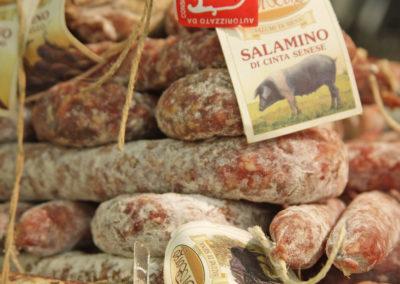 salumi e prodotti tipici toscani - Ristorante toscano Giglio Rosso